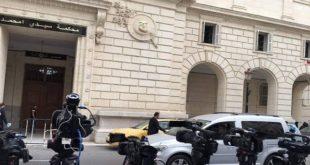 Algérie : Premier procès pour corruption d'ex-dirigeants et patrons