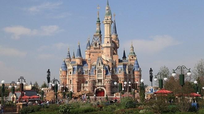 Chine : Disneyland fermé à Shanghai en raison du nouveau Coronavirus