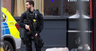 """Plusieurs blessés dans une attaque """"terroriste"""" à Londres, l'assaillant abattu"""