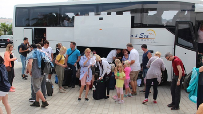 COVID-19 : Probable baisse au Maroc de 39% des touristes, compensée par la chute des cours pétroliers