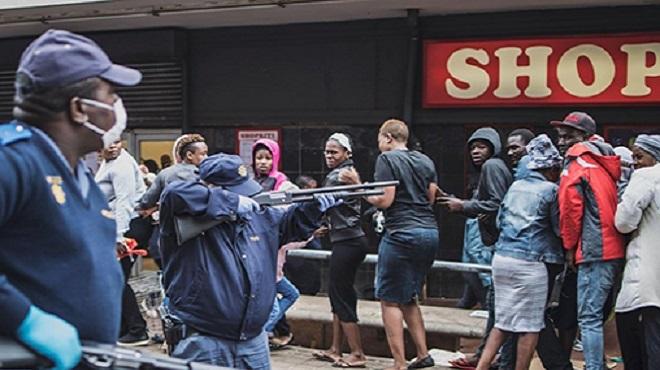 COVID-19/ Afrique du Sud | Ramaphosa brandit la carotte et le bâton