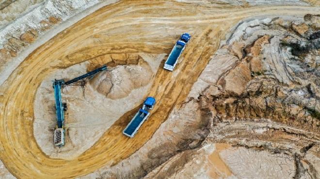 Canada | Alberta réduit la surveillance des sables bitumineux