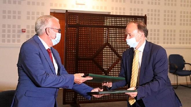 Signature d'une convention de partenariat visant à favoriser l'accès des réfugiés aux soins de santé
