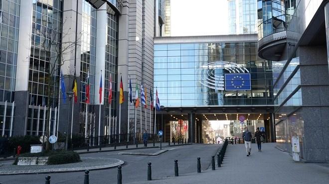 """Espace Schengen   Les eurodéputés exigent le retour rapide à un espace """"pleinement opérationnel"""""""