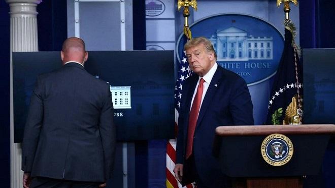 Trump évacué par ses gardes du corps au milieu d'une conférence de presse