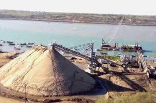 Le ministère de l'Energie réagit à la polémique sur le dragage du sable marin à Larache