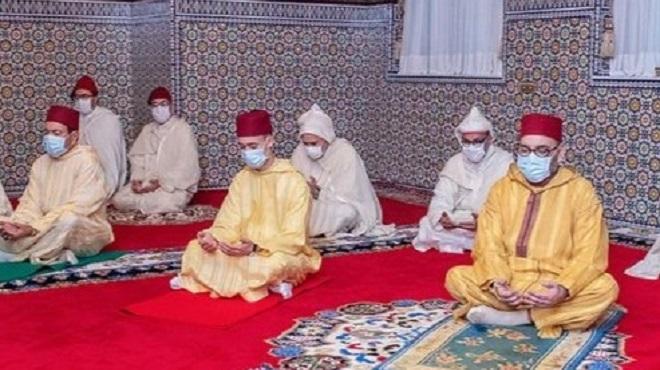 Aïd Al Mawlid Annabaoui Sm Le Roi Célèbre Une Veillée Religieuse