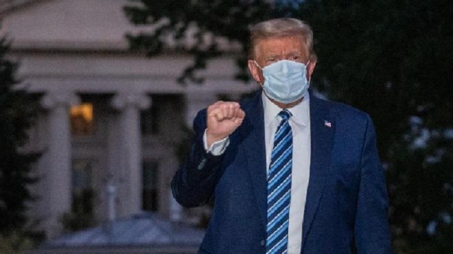 Donald Trump regagne la Maison Blanche après trois nuits à l'hôpital