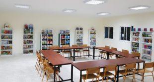 La Fondation Al Omrane installe une bibliothèque dans une école