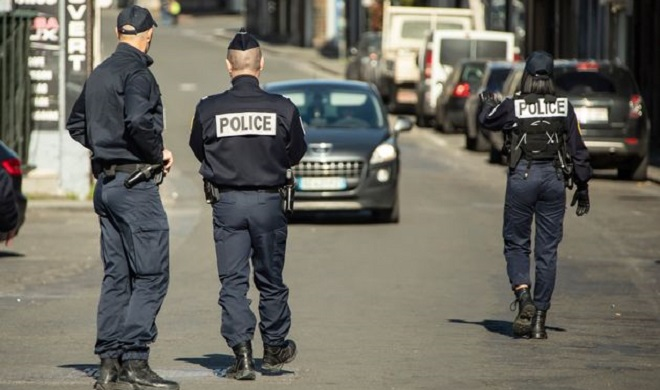 La France rétablit l'état d'urgence sanitaire