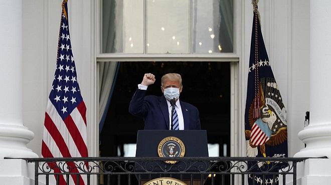 Trump organise le 1er événement public à la Maison Blanche depuis son test positif au COVID-19