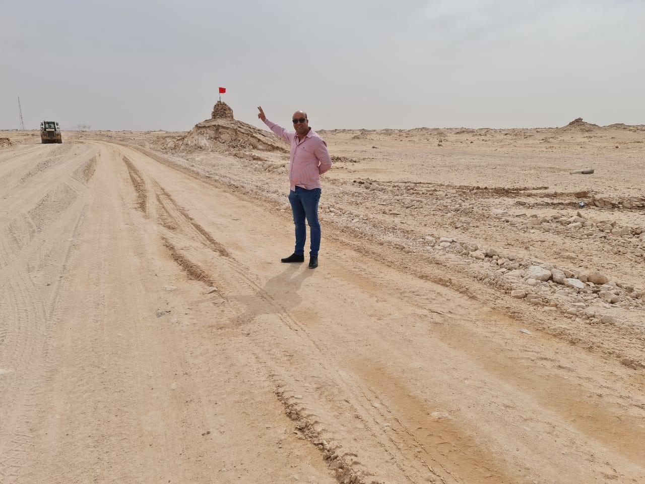 Avant de quitter la zone, Driss Chahtane s'arrête pour un V de la victoire…