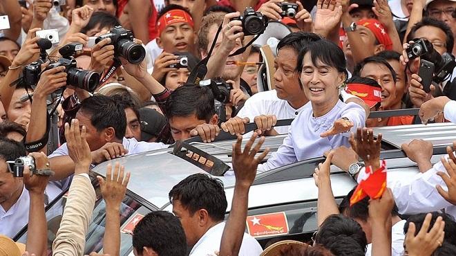 Birmanie Triomphe Pour Aung San Suu Kyi
