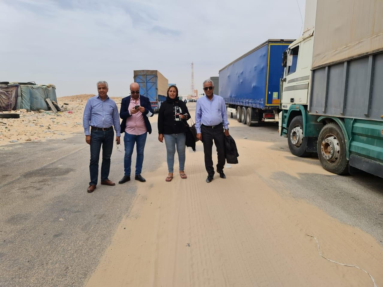 Brahim Mansour, Driss Chahtane, la populaire Fatema Zohra de Chouf TV, le Président Dilami, dans le corridor de Guergarate