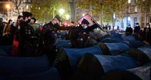 Indignation En France Camp De Migrants