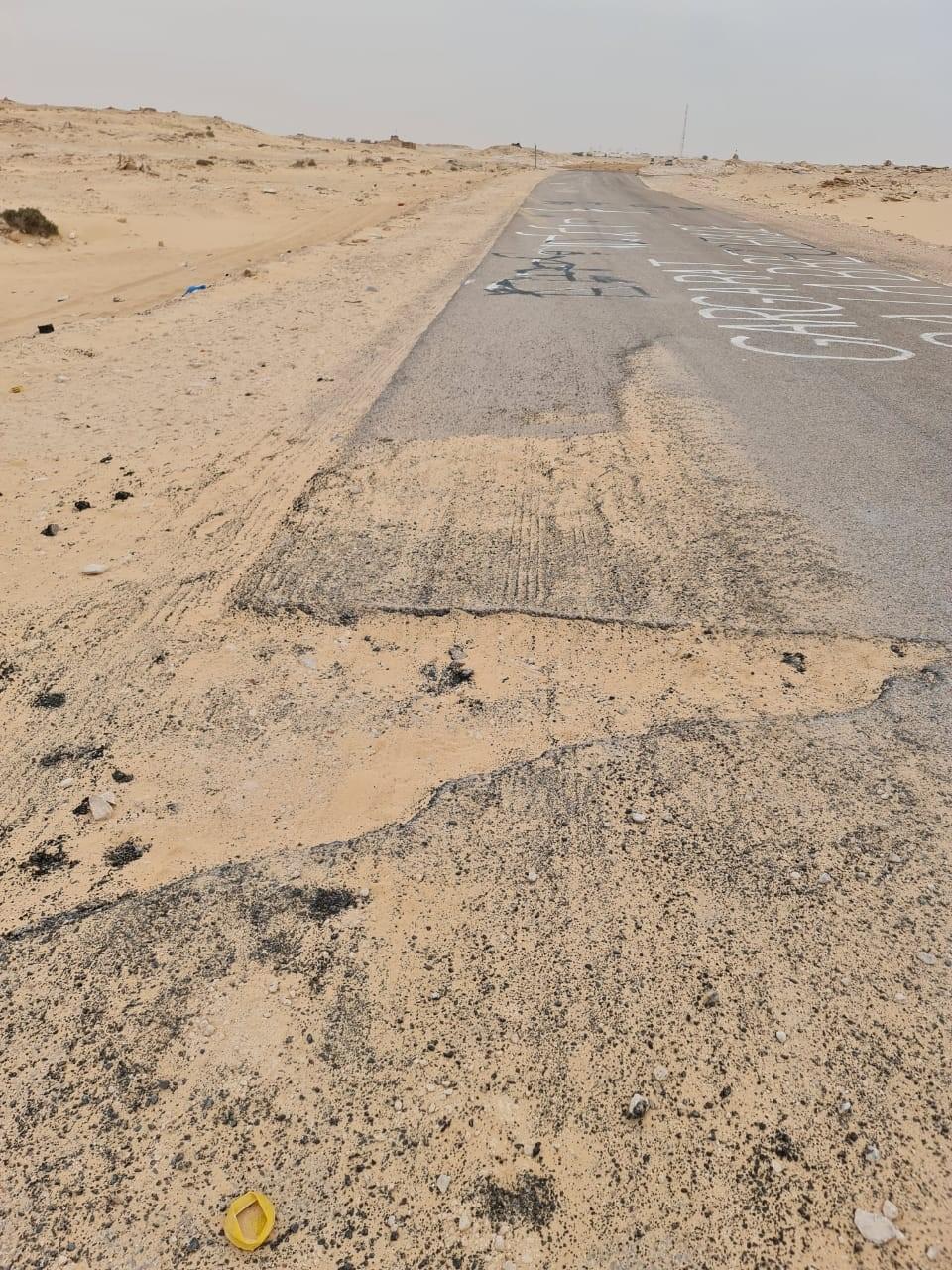 La route du passage de Guergarate que les éléments du Polisario ont essayé de détruire en s'attaquant au bitume