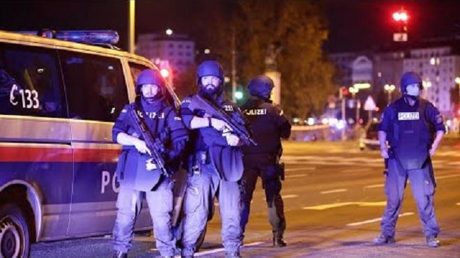 Un mort et plusieurs blessés dans une probable attaque terroriste à Vienne