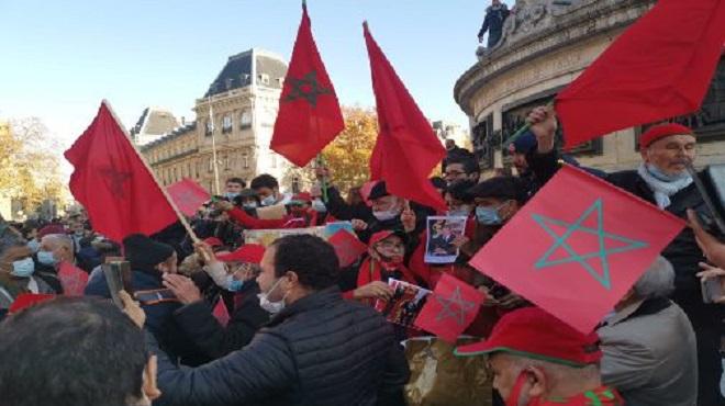 La Diaspora Marocaine Manifeste à Paris En Soutien à L'intervention Marocaine à El Guerguarat