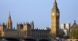 Une mutation du nouveau coronavirus inquiète le Royaume-Uni
