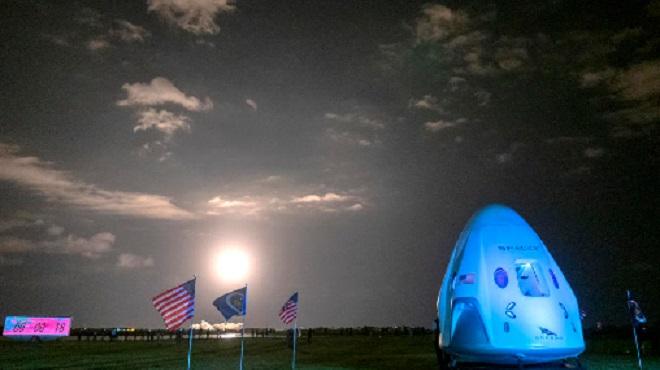 Elon Musk,SpaceX Crew Dragon,NASA