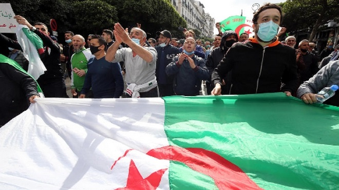 Algérie,manifestants algériens,protection civile,sapeurs-pompiers